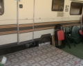 2-es lakókocsi előtere